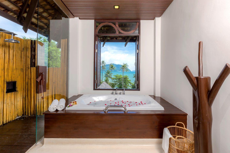 Deluxe Villa Sea View, The Vijitt Resort Phuket
