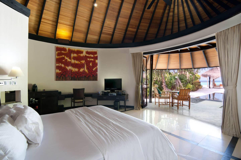 Deluxe Beach Villa with Pool, The Sun Siyam Iru Fushi