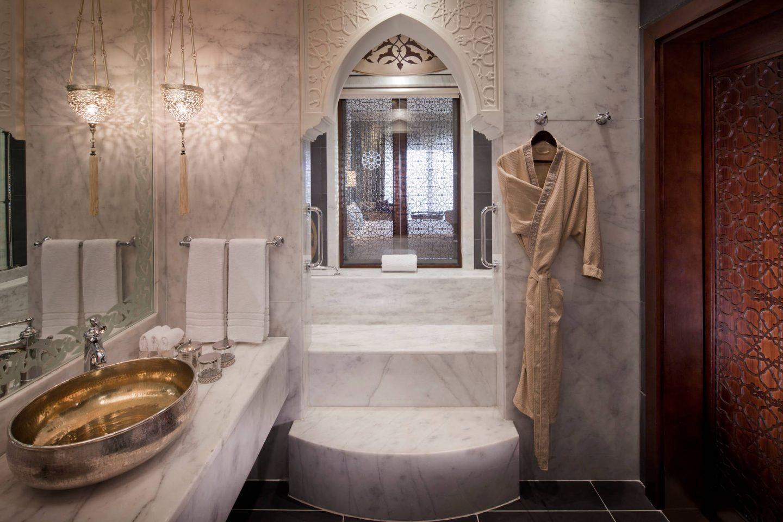 Superior King Room, Jumeirah Zabeel Saray